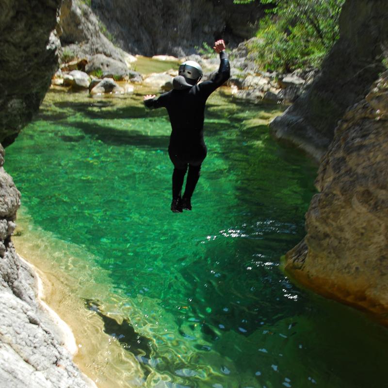 Saut en canyoning à la maglia proche de Nice