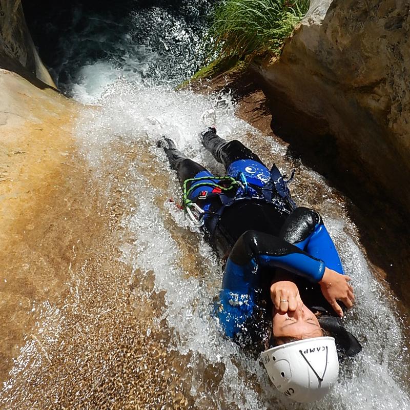 Canyoning dans les alpes du sud à proximité de Nice